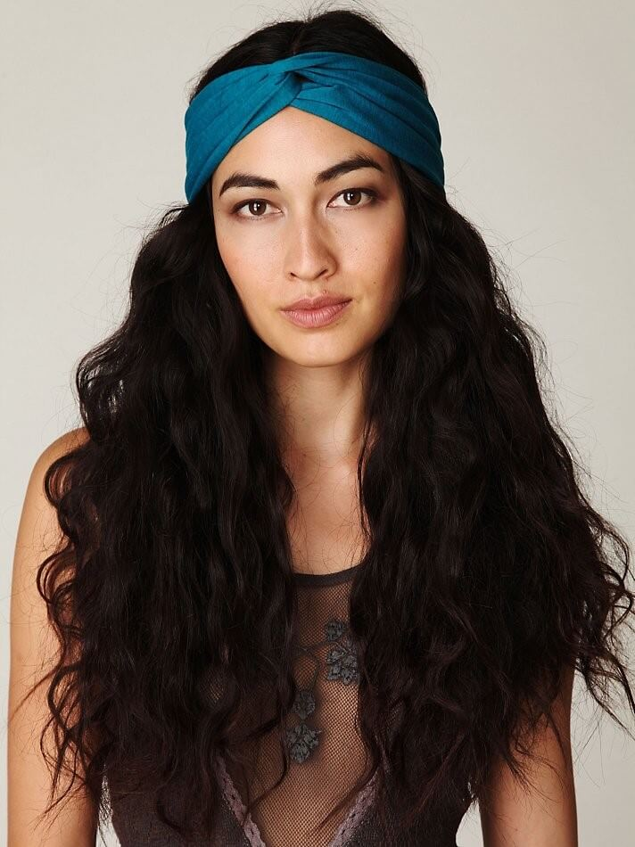 Headband & diffused curls Hairstyles 2020