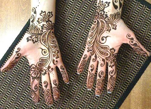 Complex Arabic Mehndi Design