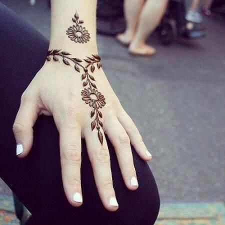 Simple bracelet Arabic Mehandi
