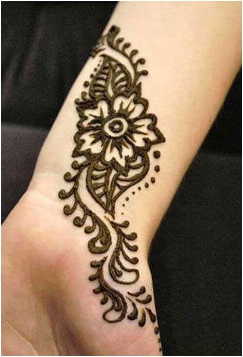 Tattoo style Arabic Mehndi