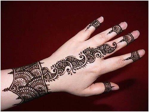 Intricate wrist style Arabic Mehandi